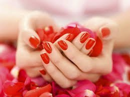 Nail trend Classic Red Nails 01