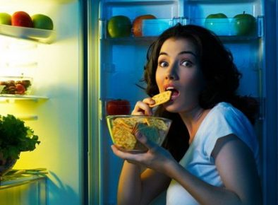 Avoid making a midnight snack when you want to lose weight.