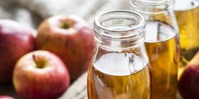 Use of apple cider vinegar to maintain the pH balance