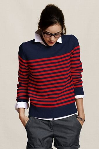 Sweater plus shirt, then you will make a fresh preppy look.