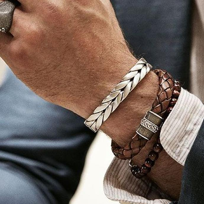 For easy style for men, do not forget to style your wrist.