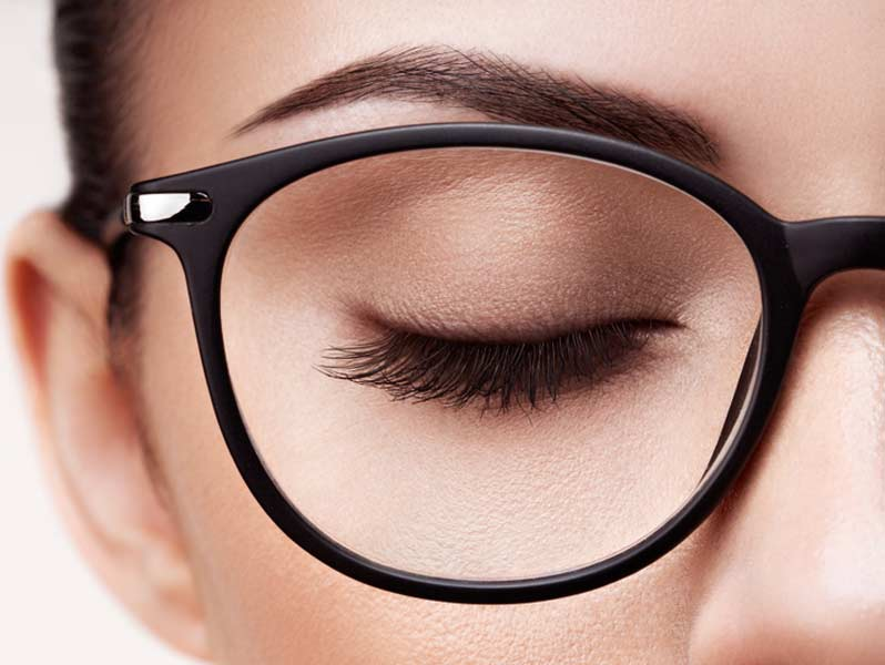 Eye-Makeup-for-Glasses-Wearers-03