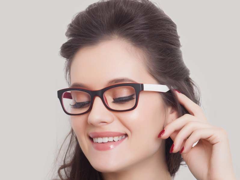 Eye-Makeup-for-Glasses-Wearers-04